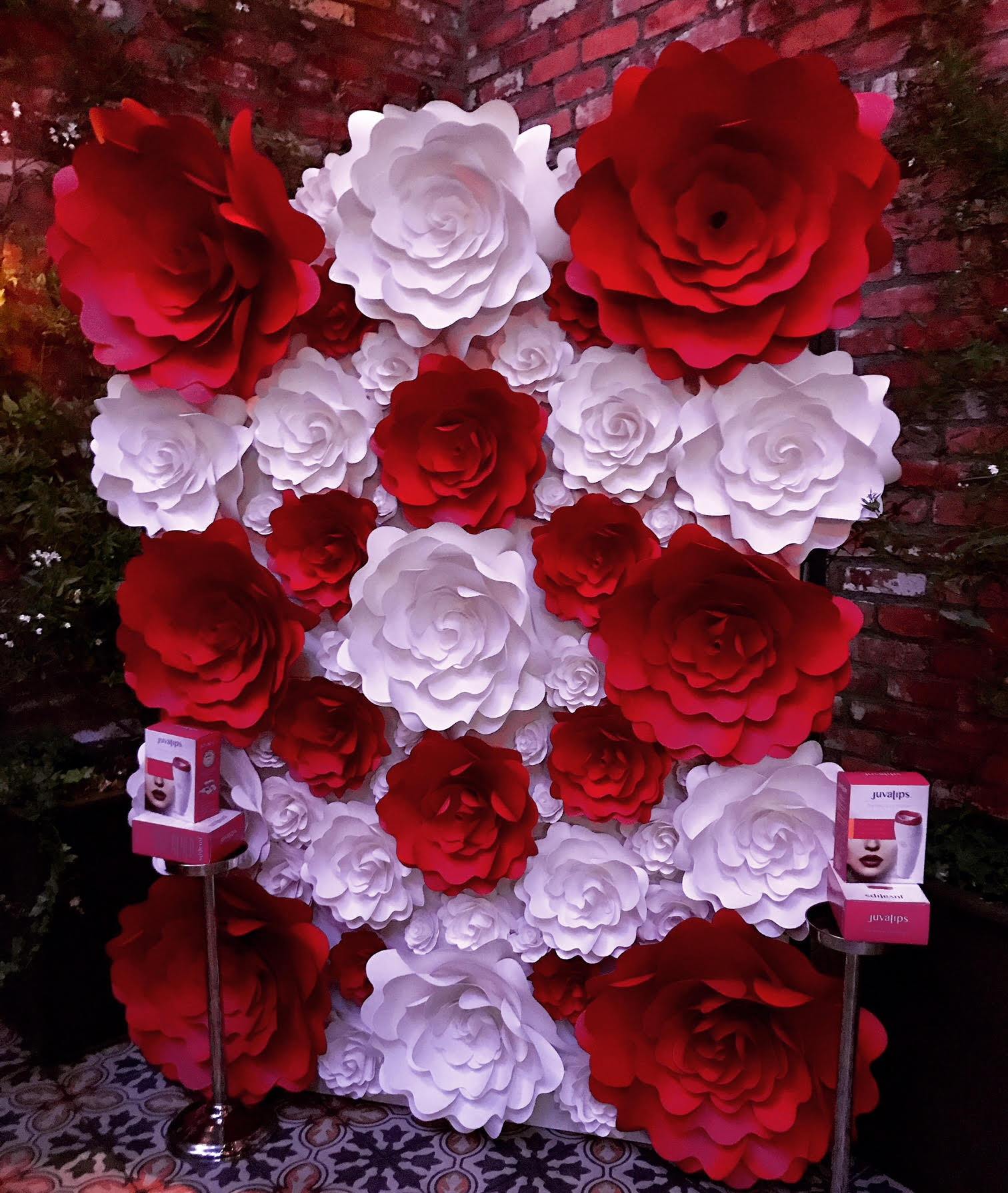 Roses In Red And White Flower Wall 3 Mahi Rehan